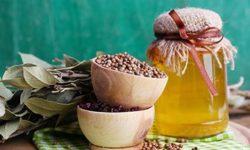 Лавровый лист для суставов: рецепт отвара, настойки, чая, мази и масла