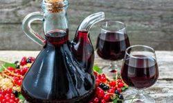 Настойка из черной смородины: применение в народной медицине, рецепты из ягод и листьев